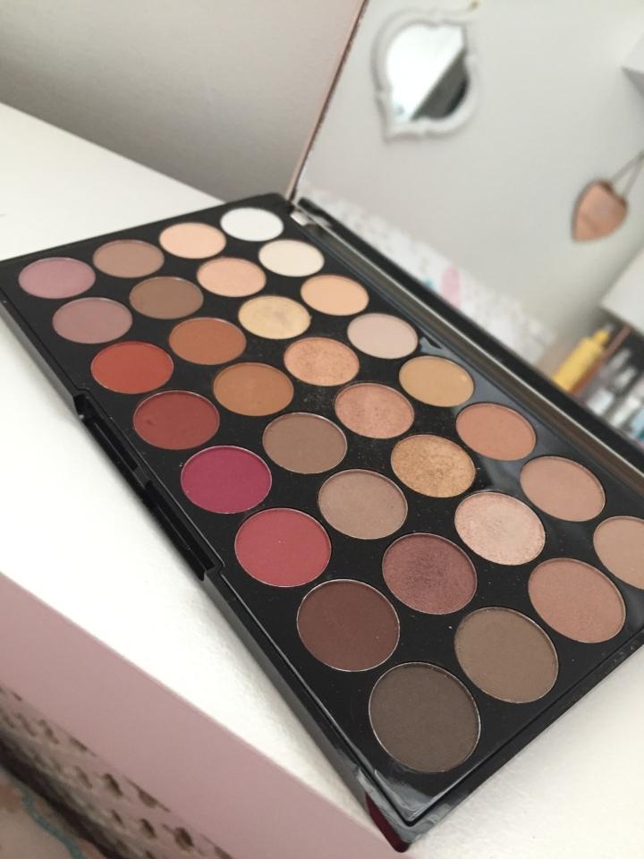 Makeup Revolution Ultra Eyeshadow Palette Flawless 3 Resurrection :Palette