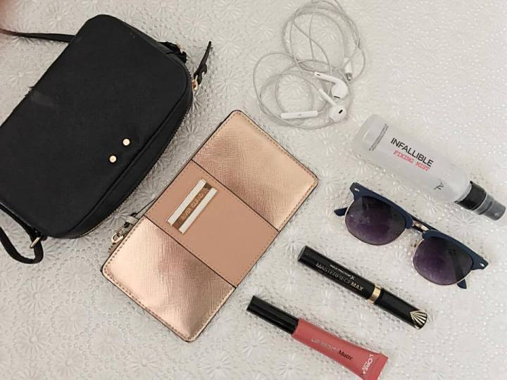 What's Inside My Everyday Handbag