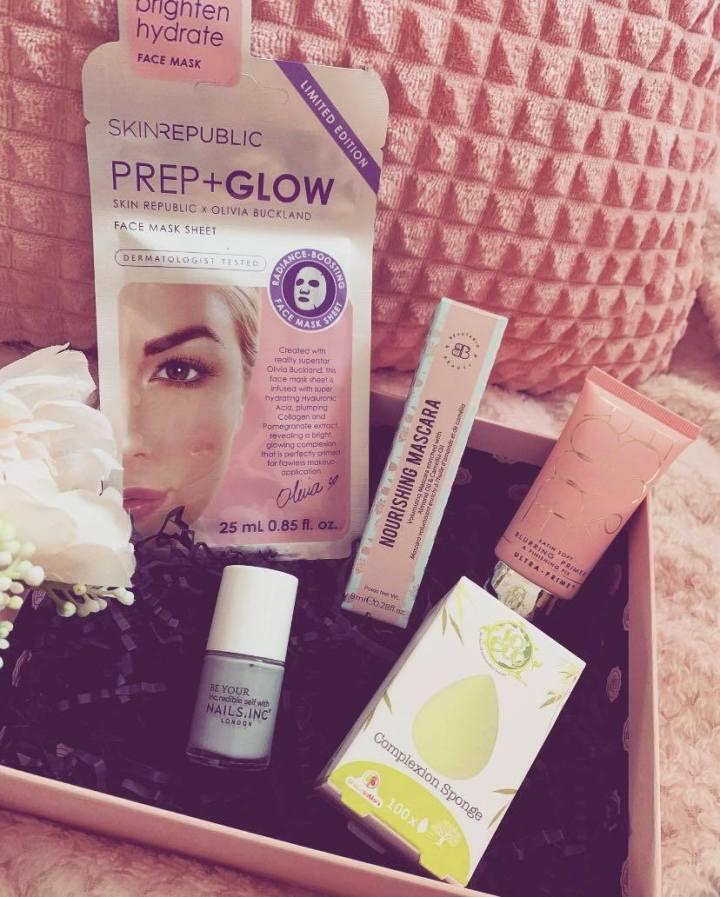 Glossybox Pretty PleasuresUnboxing