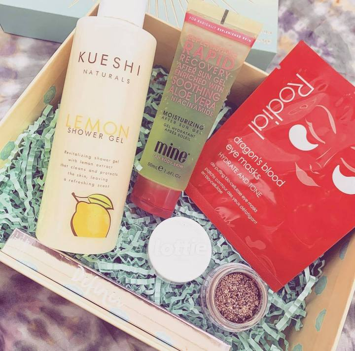 Glossybox 'Let The Sun Shine'Unboxing